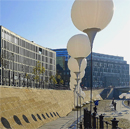 Lichtgrenze zur Feier des Mauerfalls 1989/2014 (Bild: Daderot, Wikimedia)